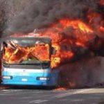 Autobus in fiamme a Milano: la ricostruzione di cosa è successo in quei minuti di terrore