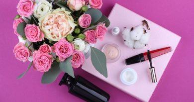 Make up| scopri i colori dell'estate | unghie e make up dal rossetto rosso mat ai colori nude