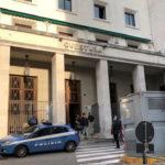 Trieste – sparatoria davanti alla questura, morti due poliziotti