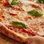 Impasto per pizza, come si prepara la pizza a casa?